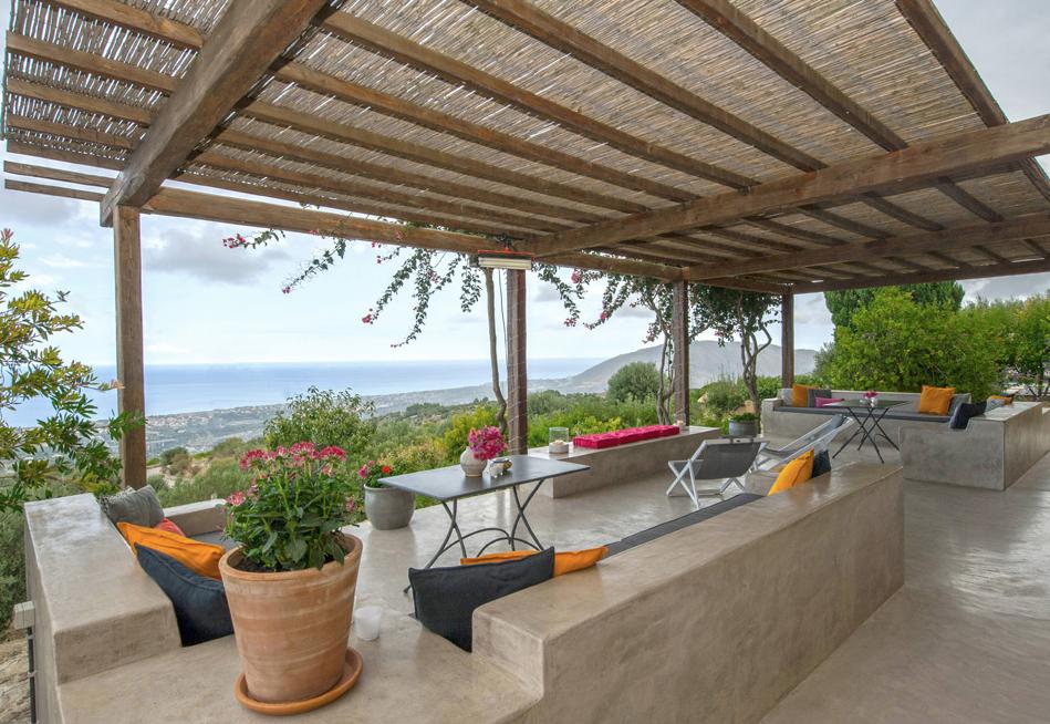 family-sicilian-villa-terrace