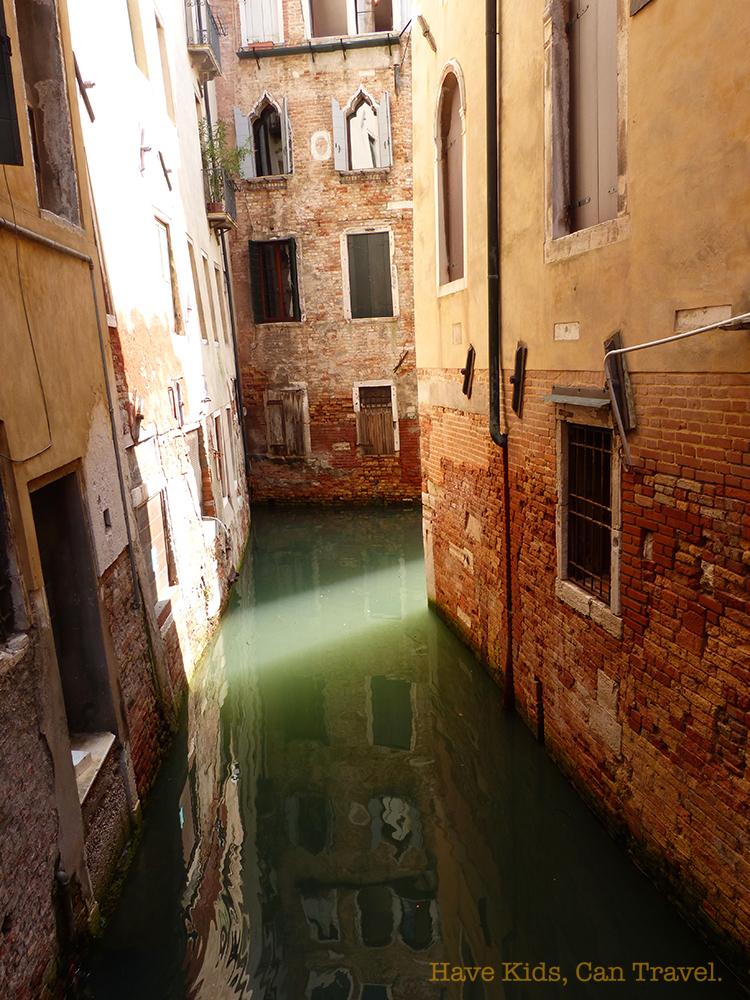 venice-alleyway
