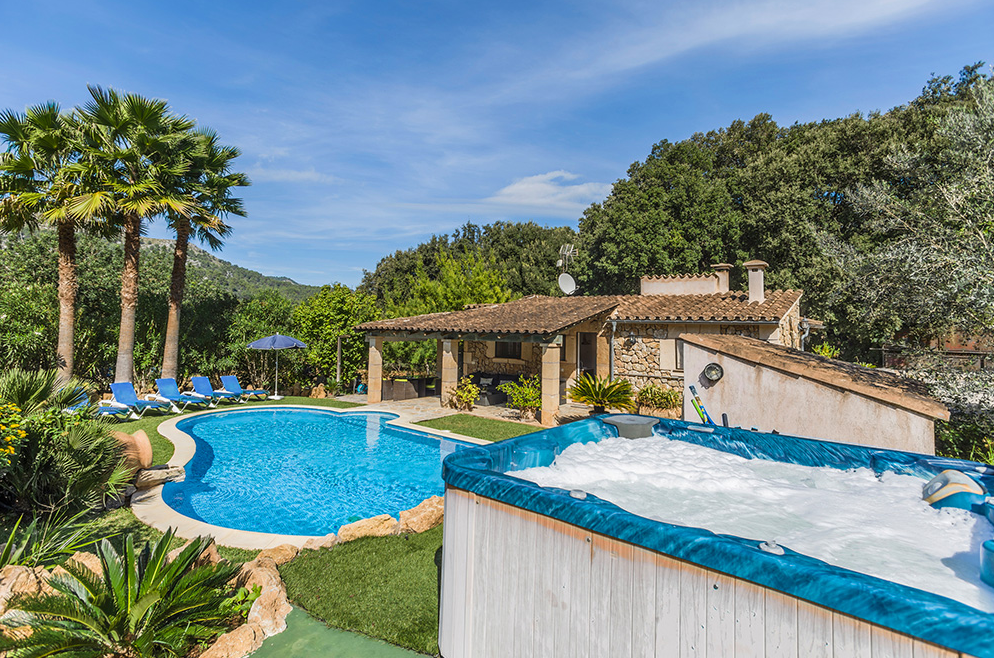 Mallorca Farmhouse with Pool