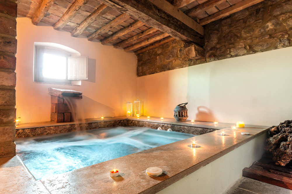 tuscany-villa-with-spa
