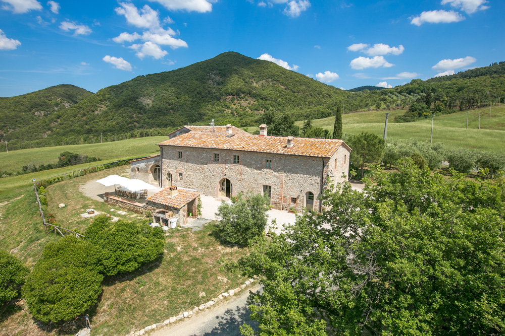 holiday property for big families in Tuscany